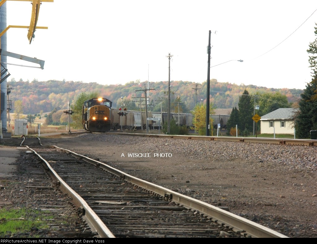CSX 4510 sb empty CSX grain train CSX power on UP's Wyeville Sub